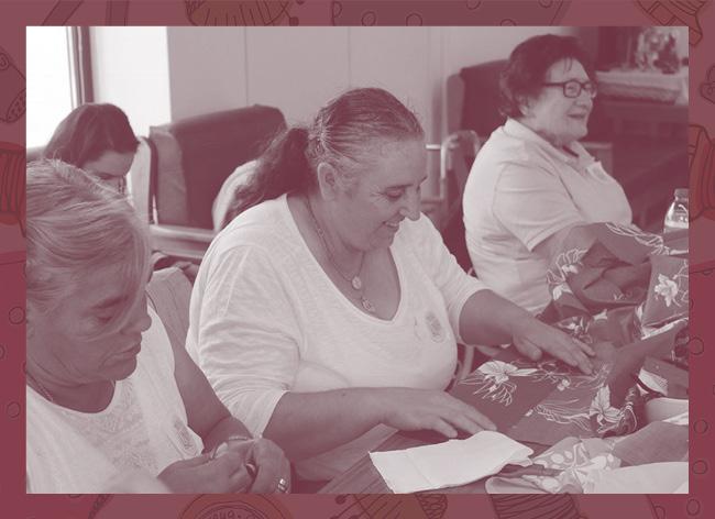 Este voucher permite que os voluntários MOVE ajude a dinamizar o atelier de costura dos Fenais da luz e a criarem bonecas alusivas às profissões tradicionais do Açores.