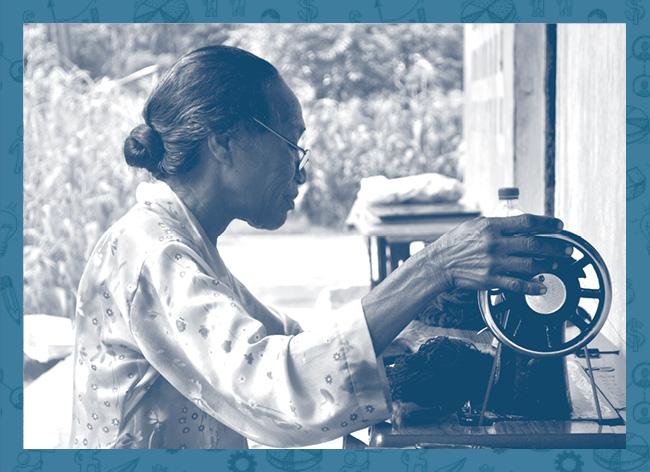 Este voucher leva os voluntários MOVE até Ataúro onde ajudam as manas da Cooperativa da Boneca de Ataúro a alcançarem um futuro mais independente  e sustentável.
